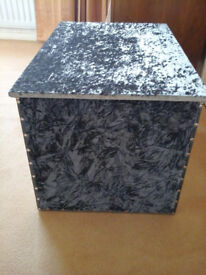 CRUSHED VELVET FABRIC COVERED WOODEN BLANKET CHEST STORAGE BOX Could deliver
