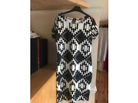Black & White short sleeved dress size 18
