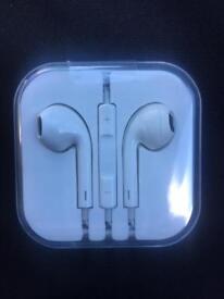 ipone earphones headphones