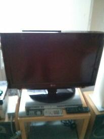 LG26lh2000 television