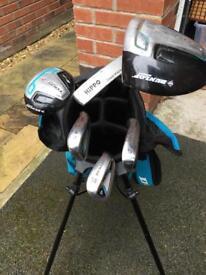 Junior Dunlop tour golf club set plus carry bag