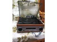 Record player & radio with built in speakers