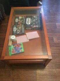Beautiful coffee table in very good conditions