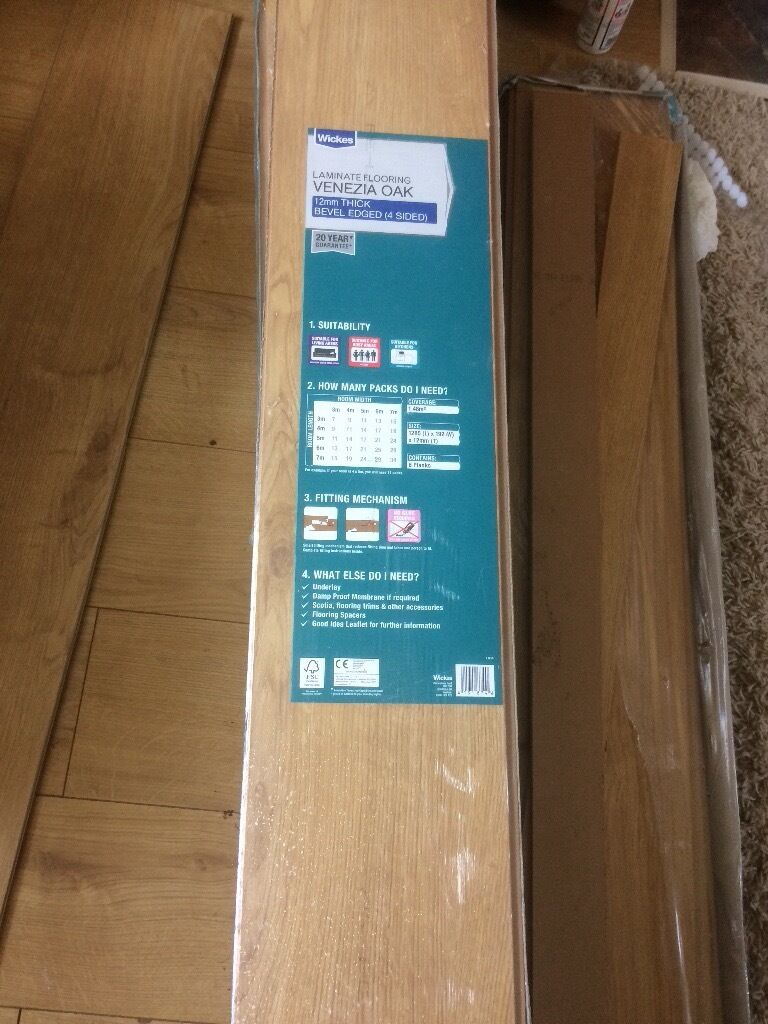 Oak effect laminate flooringin Tiverton, DevonGumtree - Laminate flooring for sale. 4 and a half packs each covering 1.48m square. Size of each plank 1285 (L) x 192 (W). These planks are 12mm thick and it is bevel edged on all four sides to slot together. This is a lovely laminate