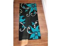 Flower rug runner
