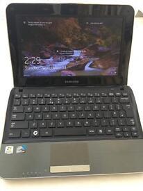 Samsung NF210 laptop windows 10 **SOLD**