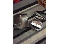 No7 Beautiful Eyebrow Kit - Damaged