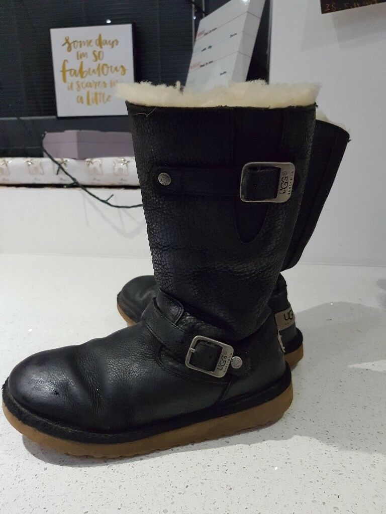 60ddab50bf4 canada girls ugg boots size 2 6a51c 031e9