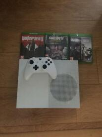 Xbox one s with 3 games 500gb
