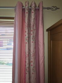Eyelet curtains with matching fabric lamp shade & bedside lamp.