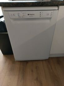 Hotpoint Aquarius Dishwasher Model FDAL 11010 P White 13 Place Settings