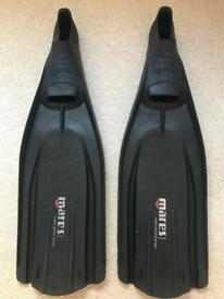 Mares dive fins size 9.5 to 10.5