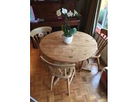 Solid pine farmhouse style round dining table and x3 chairs
