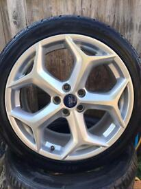 """Set of genuine Ford Focus st 225 18"""" alloys tyres"""