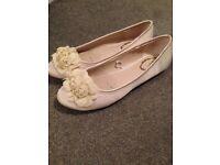 Size 5 debut bridal shoes