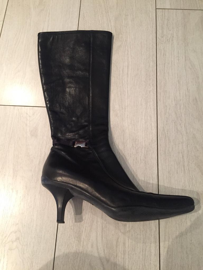 Prada Ladies Boots leather black size 7.5 uk