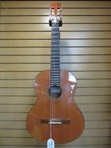 Guitare Acoustique de marque JOSEE RAMIREZ avec Case