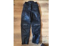 Ladies 6/8 bike leather trousers