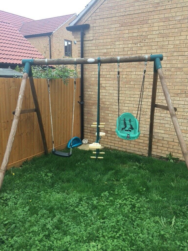 Plum swing set