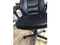 Staples swivel chair