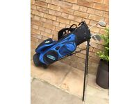 Junior Golf Bag, with stand in good condition