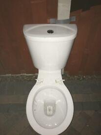 Closecoupled toilet