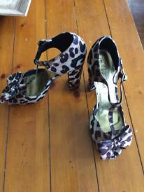 Lovely ladies shoes size 5 variety