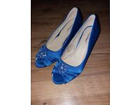 Women's royal blue satin peep toe heels size 5 worn twice