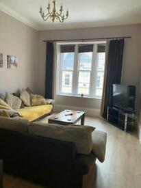 Attractive 2 Bedroom West End Flat For Rent