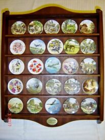 Centenary Collection Wooden Plate Rack and 25 Miniature Plates nice old collectable platers set