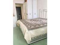 Double Bedroom for rent Personal Bathroom and Shared Kitchen.