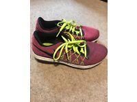 Girls Nike Running trainers size 4UK