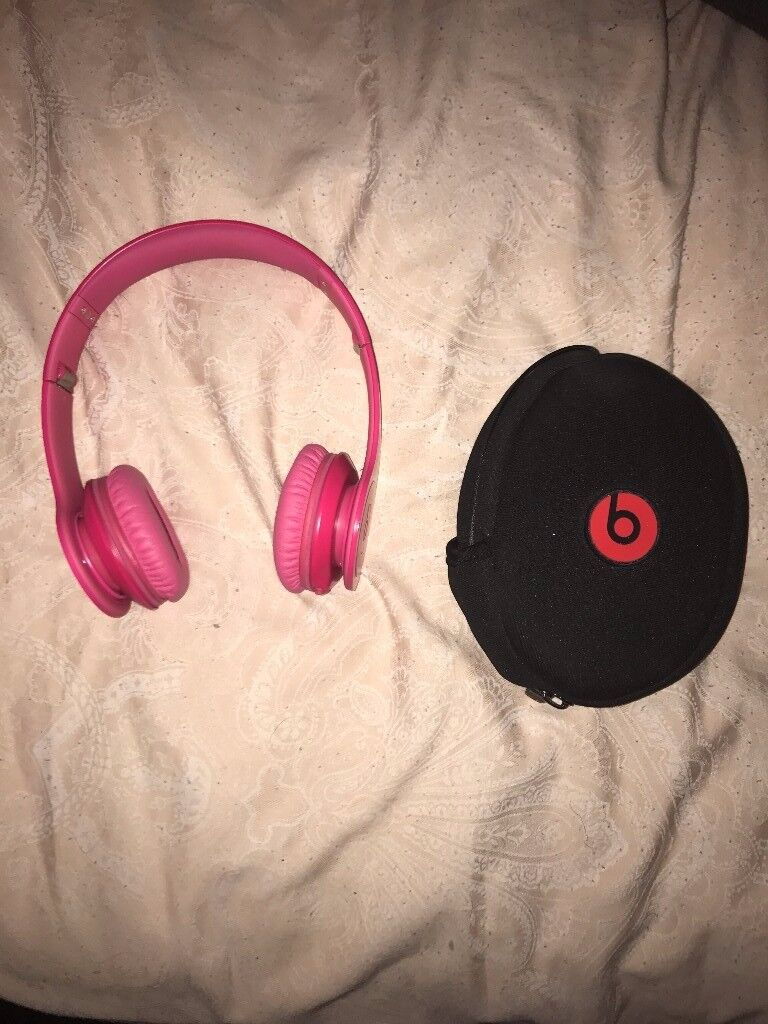 Pink solo beats by Dr Dre. Perfect condition