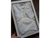 Couche Tot Boys Christening gown / wedding / occasion outfit + hat 9-12 months