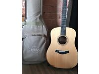 AS NEW! TAYLOR Academy 10e electro/acoustic guitar. Includes Taylor guitar case in sale!