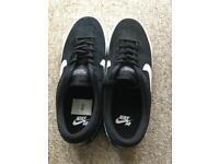 Nike SB Trainers Black Size 8