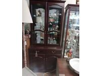 Wood and glass display unit in good condition H 180 cm can deliver