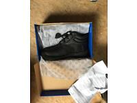 Size 10 safety cap work boots pro man