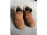 Boys suede boots size 5
