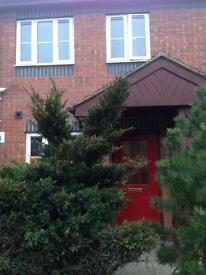 2 bed house Le2 Aylestone need 3 bed