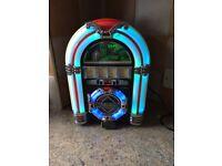 STEEPLETONE MINI JUKEBOX WITH CHANGING LIGHTS/CD/RADIO/USB PORT..£45