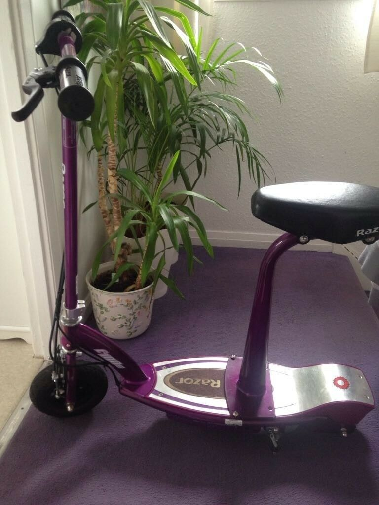 Razor elecetric scooter used 4 times like new