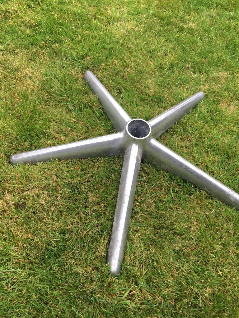 Herman Miller aeron exec chrome base.