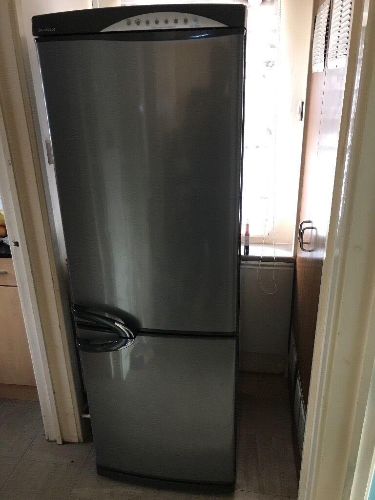daewoo erf 365a fridge freezer for sale frost free good. Black Bedroom Furniture Sets. Home Design Ideas