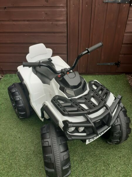 Kids electric quad bike *radio and usb port fitted*spare new battery and spare engine*lights* for sale  Bearsden, Glasgow