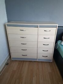 3 sets Chest of Drawers