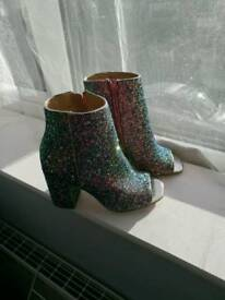 Brand New Schuh sparkly boots