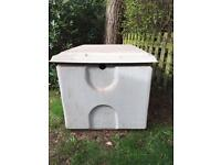 Fibre Glass Water Tank with lid.