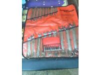 Snap on spanners set and star drive set