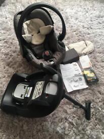 Stokke Izi Go BeSafe car seat & Isofix Base
